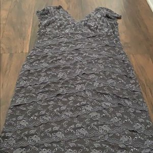 Beautiful lace dress! Great condition! Size 16/18